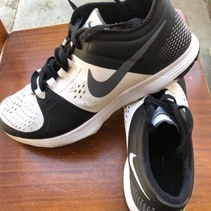 NIKE SHOES SIZE 11 GOOD CONDITION MAN